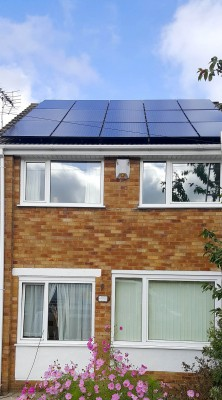 Fifteen solar panels generating electricity for a family in Cambridge